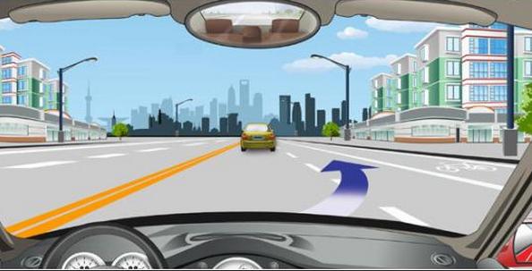 驾考科目二中设立半坡起步和定点停车考试的目的:驾驶人上坡路段驾御车辆的能力,正确地在固定地点靠边停稳车辆,准确使用挡位和离合器的能力,以适应在上坡路段等候放行时的操作需要。   1、当听到自动电子提示音上坡定点停车和起步指令后,挂一挡,可不踩油门,将车向场地右侧靠,使车身右侧与道路右边一条实线平行,并使自己看见车头的1/3进入道路右边实线,车头进入实线的最大程度不能超过1/2。这时车身侧面与该实线距离不超过30公分,且不能压到实线。这个的难点就在于车身千万不要出线,在平时练习的时候要拿捏好位置。 驾
