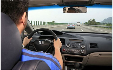 新手高速公路安全驾驶技巧