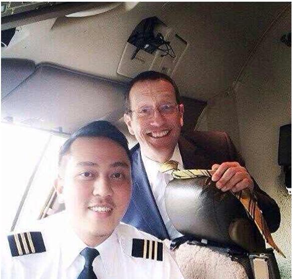 马航/驾照网3月11日讯小编了解到马航失踪飞行员现年53岁,自1981...