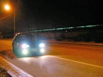机动车夜间灯光使用_夜间行车灯光使用方法  - 驾照网