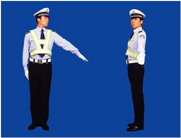 左转弯待转和靠边停车的手势区别