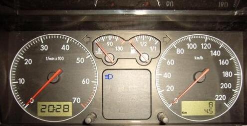 义大家可以参阅汽车仪表盘图标大全.-科目三灯光模拟考试语音操作高清图片