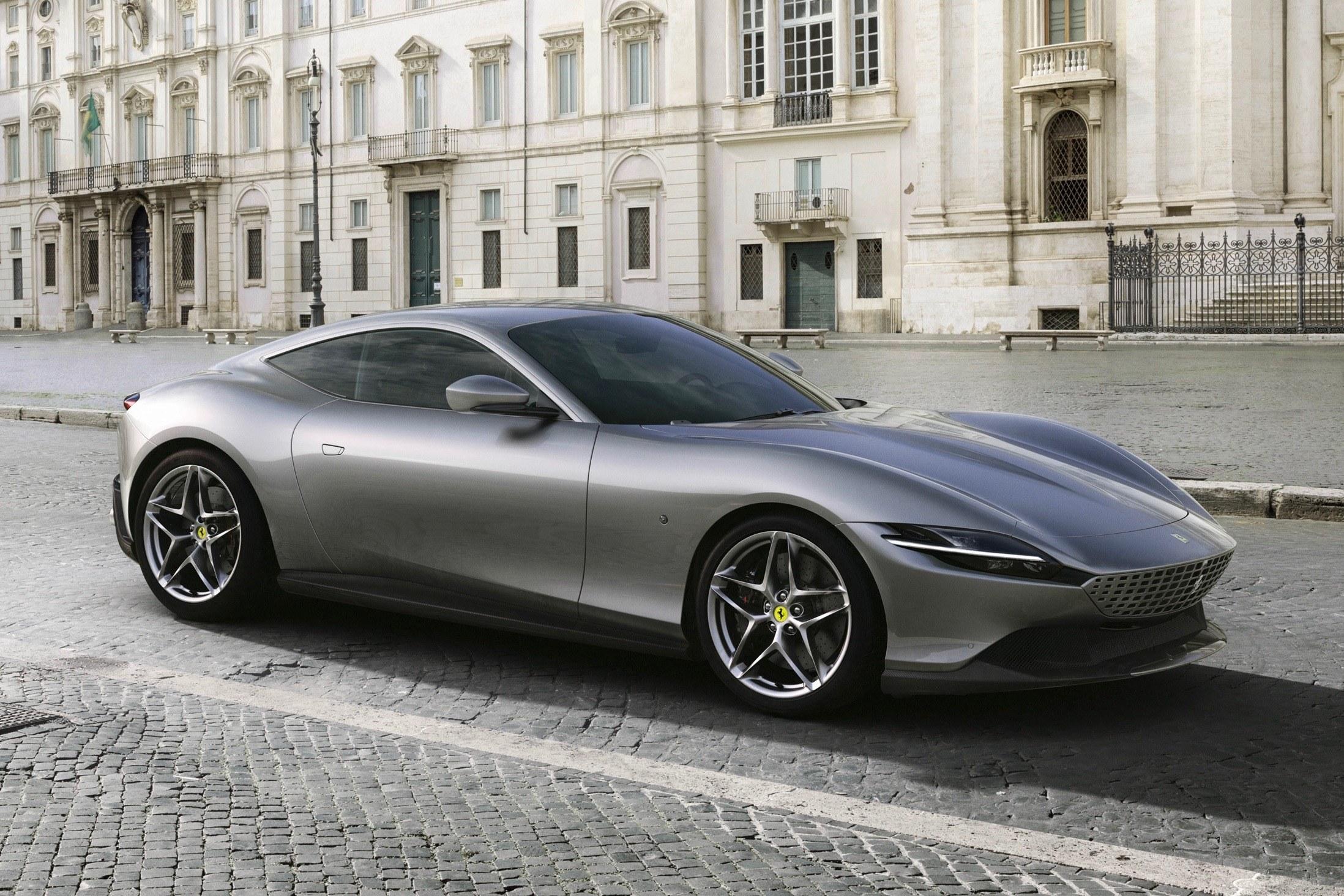 搭载3.9T V8动力法拉利Roma亮相,以意大利首都罗马命名